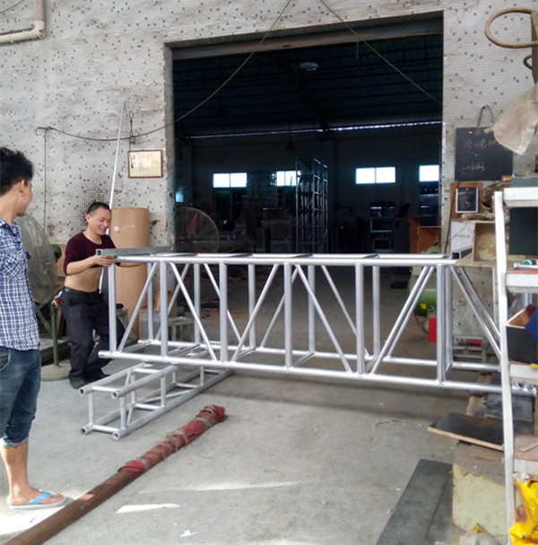 Silver Straight Large Heavy Project Stage Lighting Truss 520*760mm