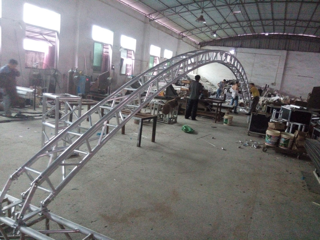 Black 300*300*12m Length Arch Spigot Connection Aluminum Stage Truss Strong Loading Capacity