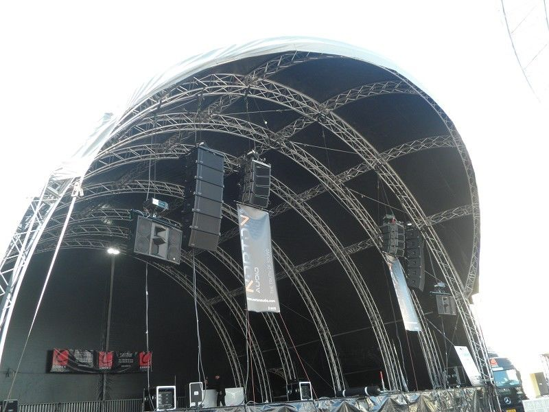Silver Alloy Aluminum Stage Truss / Metal Roof Trusses For Lighting