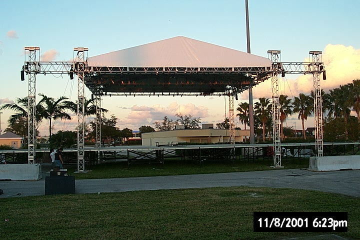 Used Aluminum Spigot Roof Truss With Tent , Outdoor Trade Show Event  Aluminum DJ Truss
