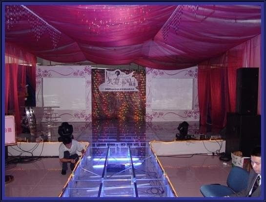 Used Portable Stage With 18mm Thickness Glass Board