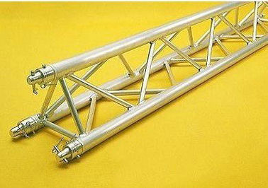 China 300x300mm Aluminum Trianglugar Truss For Outdoor Performance factory