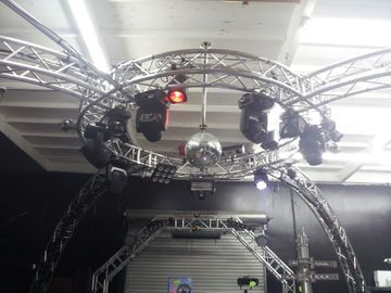 China Bolt System Aluminum Lighting Circle Truss / LED Screen Truss factory