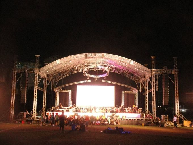 Silver Aluminum Stage Lighting Truss System For Event 2 TONS Loading